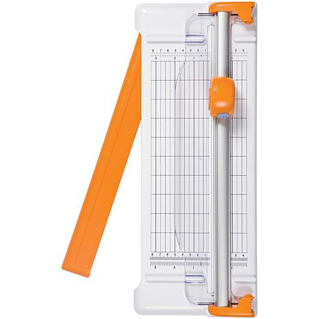 fiskars paper cutter Keep your craft paper trimmer working at its very best by replacing dull blades when needed fiskars® original replacement blades is rated 48 out of 5 by 16.