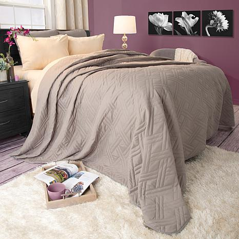 Lavish Home Solid Color Bed Quilt Full Queen