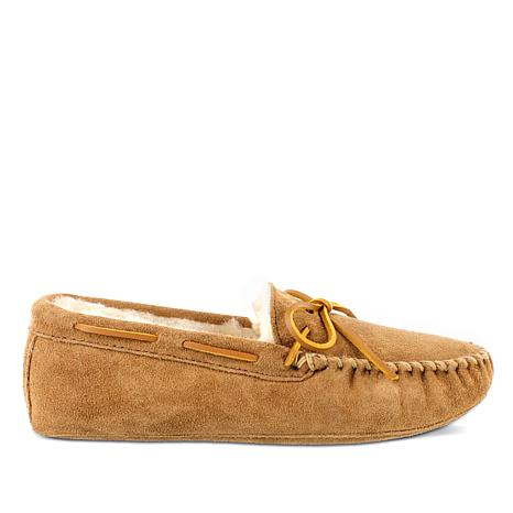Minnetonka Men's Sheepskin Softsole Moccasin Slipper