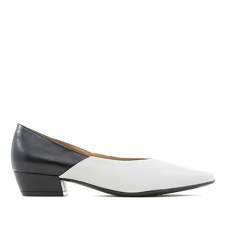 Naturalizer Betty Pointed-Toe Flat