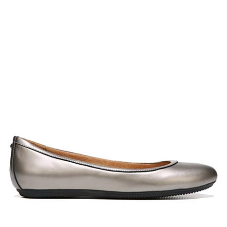 1a93cda6e90 naturalizer-brittany-leather-ballet-flat-d-20180504104627907~605963.jpg