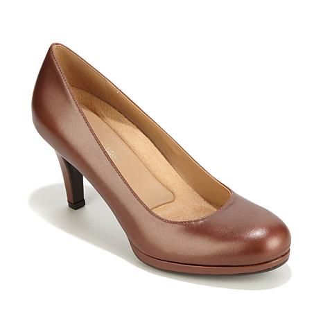 0674071f997 Naturalizer Michelle Leather Classic Pump