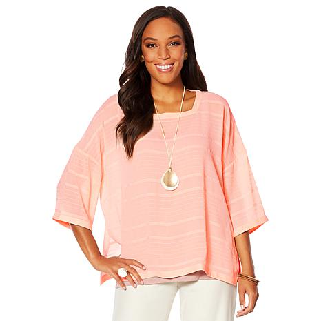 WynneLayers Pullover Top