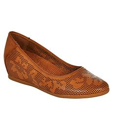 Baretraps® Posture Plus Nixy Hidden Wedge Shoe