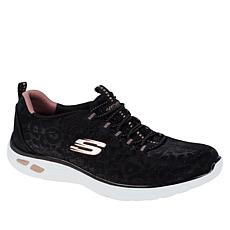 Skechers D'Lux Spotted Empire Slip On Sneaker
