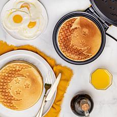 Uncanny Brands Dragonball Z Waffle Maker