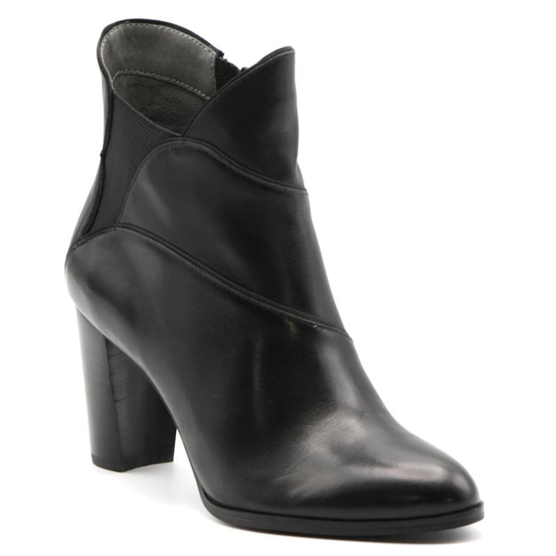 Adrienne Vittadini Trella Leather Bootie